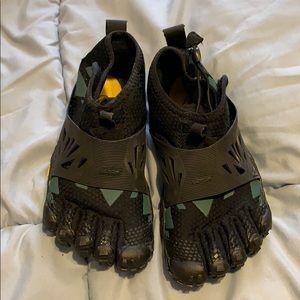 Vibram Shoes - Vibram 5 finger running shoes